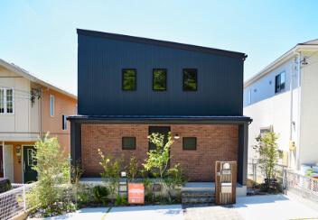 完成した家の外観写真